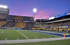 2015 NCAA Voetbal - de Staat van Oklahoma in West-Virginia Stock Foto