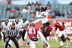 2014 NCAA Voetbal - tempel-Cincinnati Stock Foto's