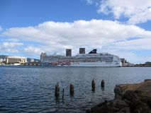 NCL Cruiseship,美国的自豪感,在檀香山港口靠了码头 库存图片