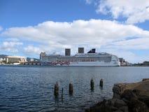 NCL Cruiseship, orgoglio dell'America, si è messo in bacino nel porto di Honolulu Immagini Stock
