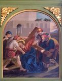 2nd stacjom krzyż, Jezus dają jego krzyżowi Zdjęcia Royalty Free