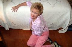 nödlägepensionärkvinna Royaltyfria Bilder