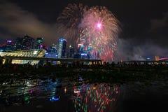 烟花显示在国庆节游行(NDP)预览期间2014年 库存图片