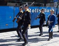 Ändra av vakten nära Royal Palace sweden stockholm Arkivbilder