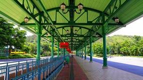 Ändstation för Disneyland Hong Kong anslutningsbuss Arkivfoton