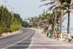 NE DI MUI, VIETNAM Strada alle dune di sabbia bianche immagine stock libera da diritti