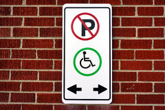 Ne garez pas, cette tache pour le fauteuil roulant Images libres de droits