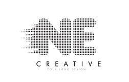NE N.E.与黑小点和足迹的Letter Logo 免版税库存照片