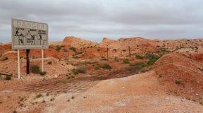 Ne tombez pas dans Opal Diggings photographie stock libre de droits