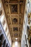 Neapel; die Kathedrale: die Decke des Kirchenschiffs Stockbild