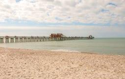 Neapel-Pier lizenzfreies stockbild