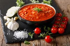 Neapolitan świeży pizzaiola kumberland robić z pomidorami, oregano, dalej Obrazy Royalty Free