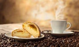 Neapolitan Sfogliatella frolla with espresso Stock Photos