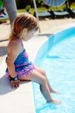 Near pöl för litet barn Royaltyfria Bilder
