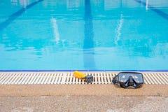 Nearside de la cámara y de la máscara de la acción la piscina Imágenes de archivo libres de regalías