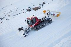 NearZermatt de la máquina de la retirada de la nieve (paleta), Suiza Imagen de archivo