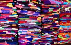 neatly staplad scarf Arkivfoton