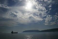 Nebbia 03 del trasporto dell'olio del carico della nave immagine stock