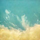 Nebbia d'annata e nuvole Fotografie Stock