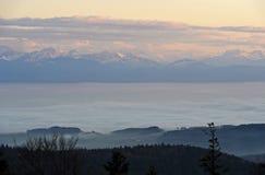 Nebbia di autunno sopra il lago Lemano Fotografia Stock Libera da Diritti