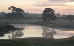 Nebbia di mattina su acqua Immagini Stock Libere da Diritti