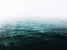 Nebbia e mare Fotografia Stock Libera da Diritti