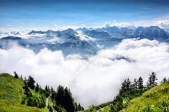 Nebbia e montagna, Svizzera Fotografie Stock