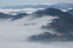 Nebbia nella valle Immagini Stock