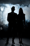 Nebbia noir del palo della luce delle coppie del film fotografie stock