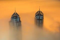 Nebbia rara di mattina di inverno nel Dubai, UAE Fotografie Stock Libere da Diritti