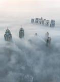 Nebbia rara di mattina di inverno nel Dubai, UAE Fotografia Stock Libera da Diritti