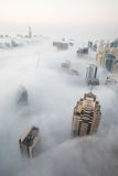 Nebbia rara di mattina di inverno nel Dubai, UAE - 05/DEC/2016 Fotografia Stock Libera da Diritti