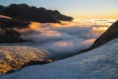 Nebbia sopra il ghiacciaio immagini stock libere da diritti