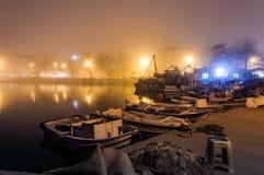 Nebbia sulla città della spiaggia Fotografia Stock
