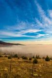 Nebel über dem Tal prespa in Macedonia Lizenzfreies Stockbild