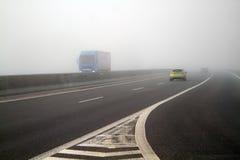 Nebel auf der Datenbahn lizenzfreie stockbilder