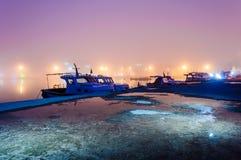 Nebel auf der Küsten-Stadt Lizenzfreies Stockbild