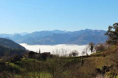 Nebel im Tal Stockfoto