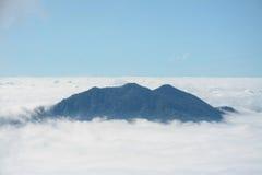Nebel und Wolke auf Berg bei Kew Mae Pan, Doi Inthanon, Thailand Lizenzfreie Stockbilder