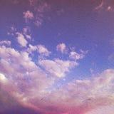 Nebel und Wolken auf einer Weinlese maserten Papiervektorhintergrund, wi Stockbilder