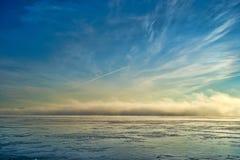 Nebelbank auf Penobscot-Fluss Maine lizenzfreie stockbilder