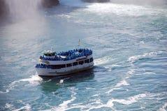 Nebelboot bei Niagara Falls stockfoto