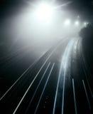 Nebelhafte Autobahn stockfoto