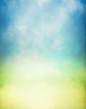 Nebelhafte gelbes Grün-Steigung Stockfoto