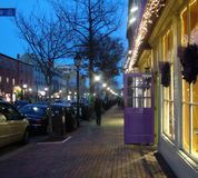 Nebelhafte Nacht in der alten Stadt Lizenzfreie Stockfotos