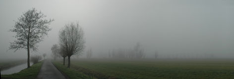 Nebelhafte Straße Lizenzfreies Stockbild