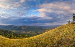 Nebelhafte Talstrecke Autumn Ins Stockfoto