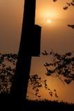 Nebelhafter Morgen durch den See Lizenzfreie Stockfotografie