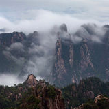 Nebelhafter Morgen im Huangshan-Berg (gelber Berg), China Lizenzfreie Stockbilder