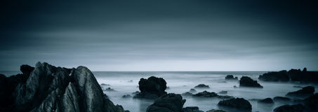 Nebelhafter Ozean Stockfotos